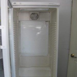 LIEBHERR Üvegajtós Hűtő